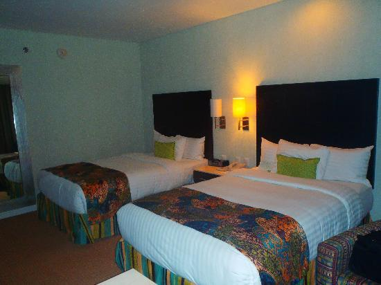 Hotel Lucerna Hermosillo: cuarto