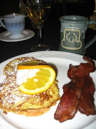 Lookout Point Lakeside Inn: every breakfast was a delight