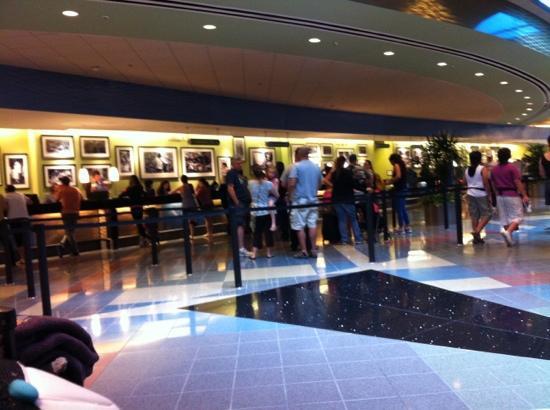 Disney's Pop Century Resort : The lobby.