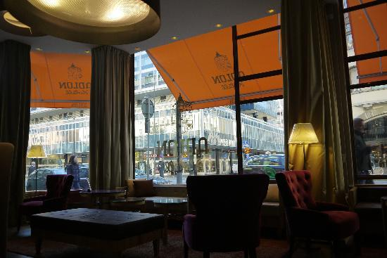 Elite Hotel Adlon: The lovely quiet lounge to people watch!!..