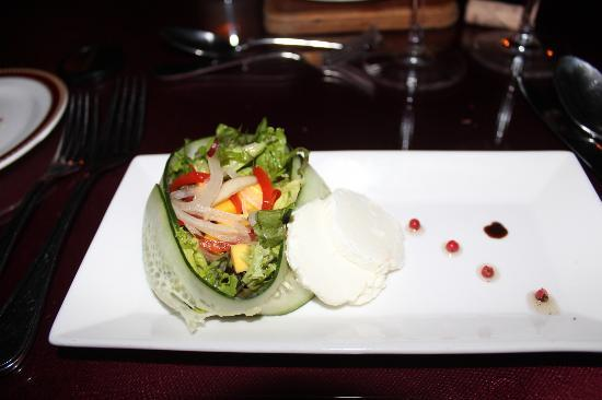 Dreams Riviera Cancun Resort & Spa: Salad during our romatic dinner