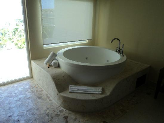 Azul Beach Resort Sensatori Mexico: jacuzzi