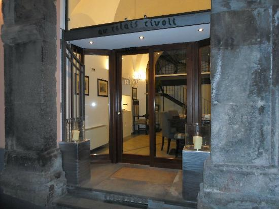 Hotel Rivoli Sorrento: Entrance to the Hotel Rivoli