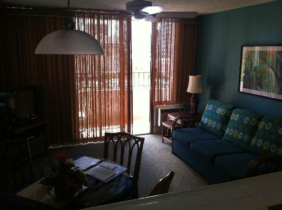 Royal Kuhio Resort: Family room