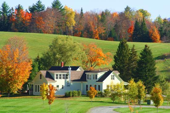 The Stepping Stones Inn: Fall Foliage at the Stepping Stone Spa and Bed & Breakfast