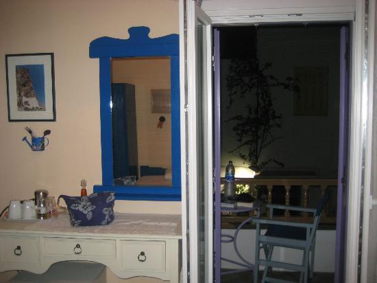 Amorgos Studios: Zimmer & Balkon