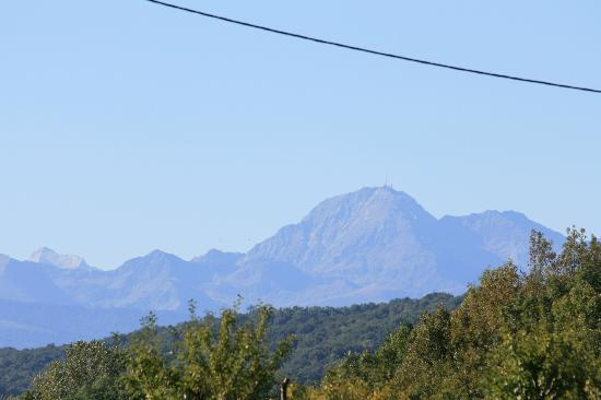 Le Froment : The mountains from the garden