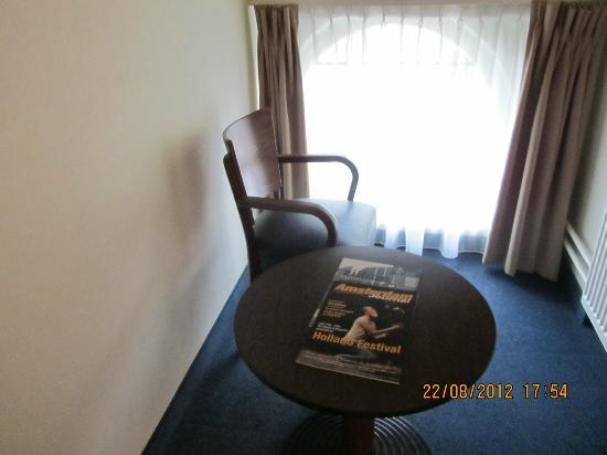 Die Port van Cleve: la única ventanita de nuestra habitación