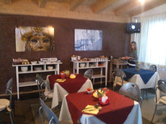 Hotel Angi: sala colazione