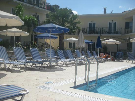 Zante Star: Pool side day