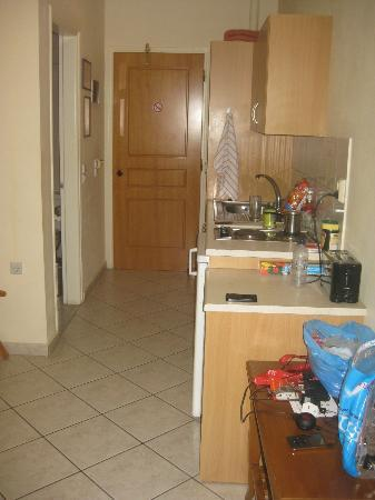 Zante Star: Lounge and kitchen