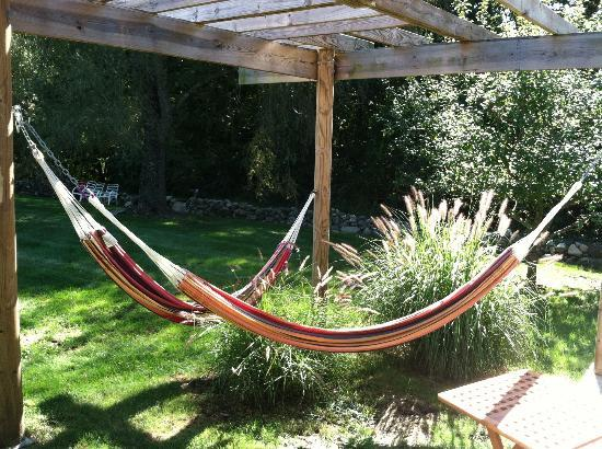 Abbey's Lantern Hill Inn: Hammocks - We will meet again!