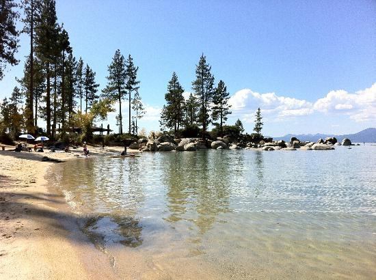Cedar Glen Lodge: Sand Harbor. Water warm enough to dangle our toes