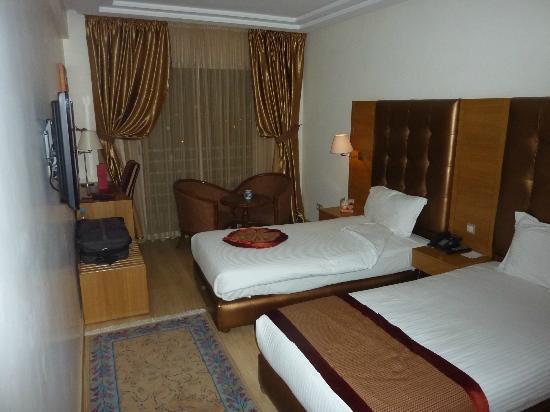 Le Zenith Hotel & Spa: chambre