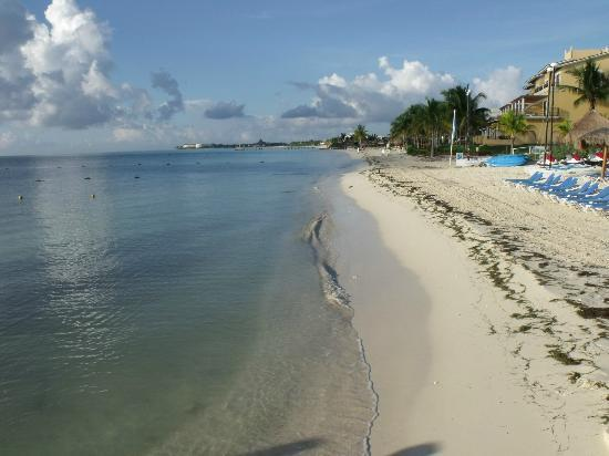 Ocean Maya Royale: Beach