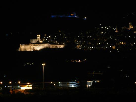 Tramonto su Assisi: vista su assisi