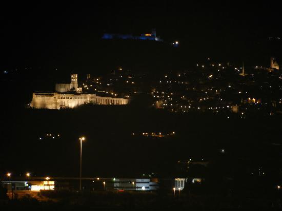 Tramonto su Assisi: assisi