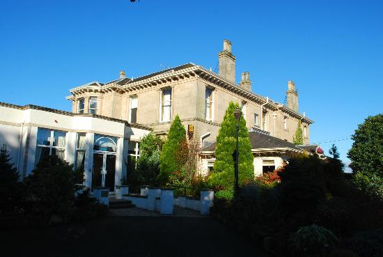 Front view of Grange Manor Hotel