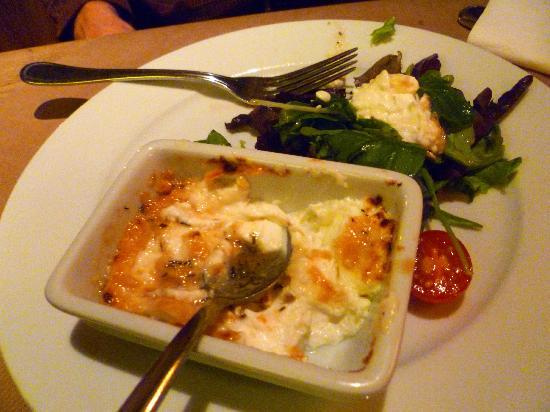 Nola's am Weinberg : Goat Cheese Brulee with Arugula Salad
