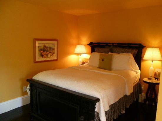 Ardmore Inn: The Natalie Kinsey Warnock Room