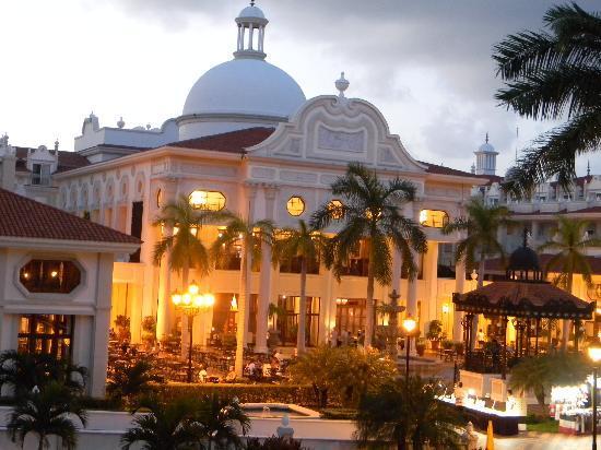 Hotel Riu Palace Riviera Maya: Arquitectura muy buena