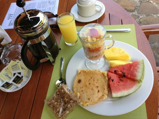 Nayara Resort Spa & Gardens: Breakfast-french press coffee every morning