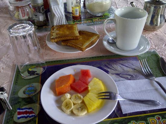 San Lorenzo Inn: Desayuno!