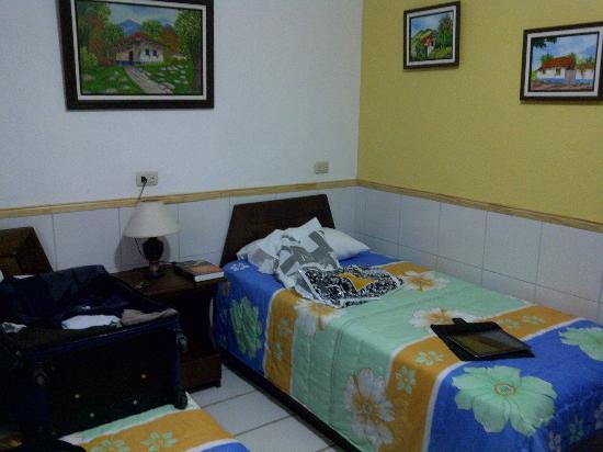 San Lorenzo Inn: Detalle de una habitación