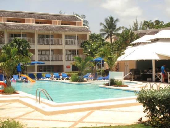 Turtle Beach by Elegant Hotels: Hotel Pool