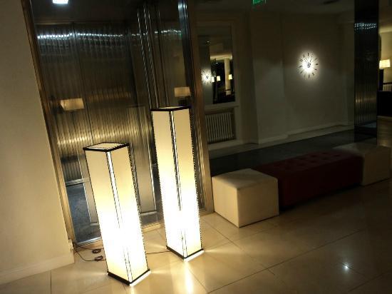 Hotel Denver: Loby
