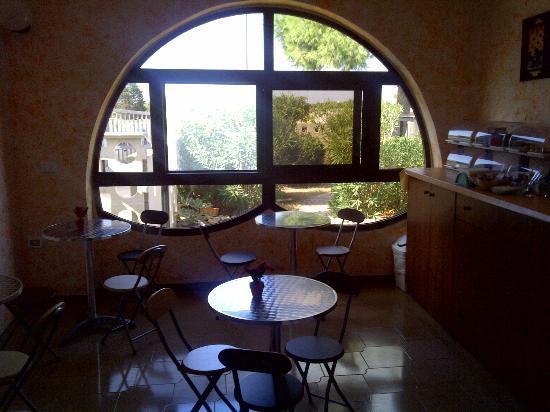 Bed and Breakfast Chalet del Mare : Saletta colazione