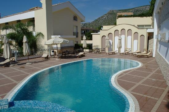 Virgilio Grand Hotel: piscina