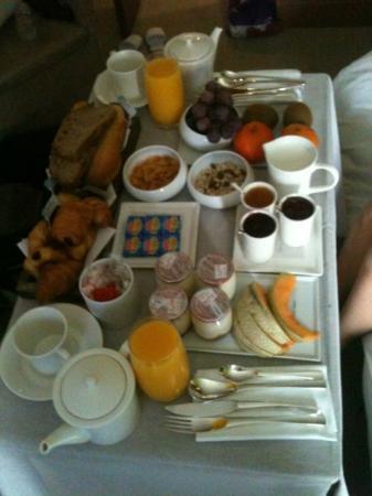 Ivan Vautier Hotel : petit déjeuner en chambre