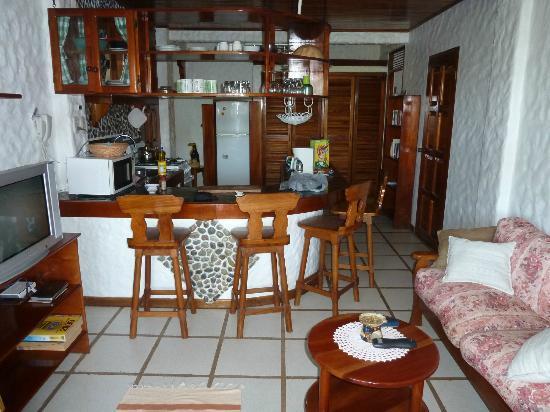 Villa Kristina Apartments: Küche mit Wohnbereich