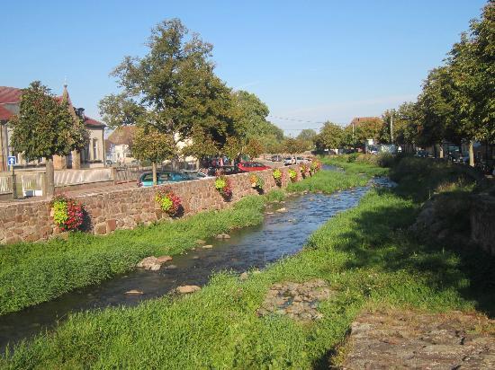 Logis a la Demi Lune : River Lauch Issenheim