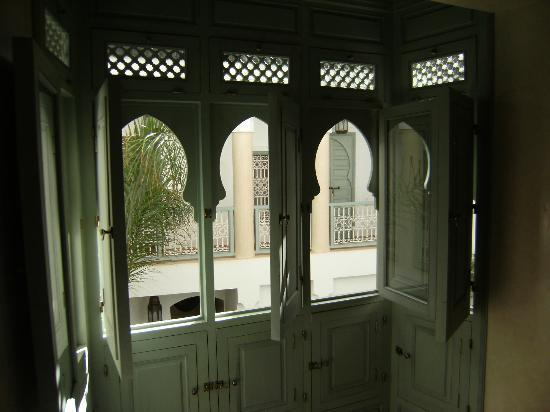Riad les Hibiscus : Beautiful windows in our room