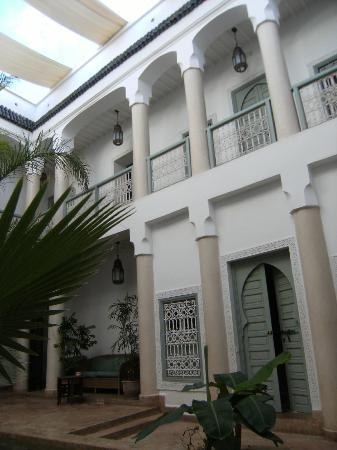 Riad les Hibiscus : Central courtyard