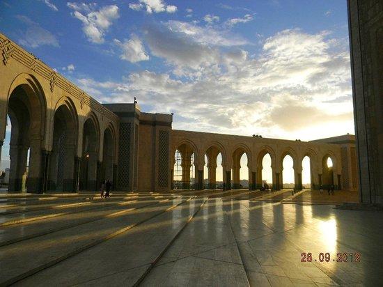 مسجد الحسن الثاني: la Moschea Bianca 