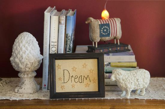 A G Thomson House Bed and Breakfast : Casual details!