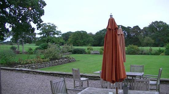 Rookery Hall Hotel & Spa: Patio from Restaurant