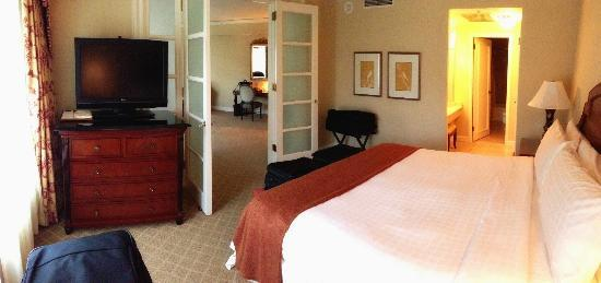 The Logan Philadelphia, Curio Collection by Hilton : Premier Executive Suite - view of bedroom