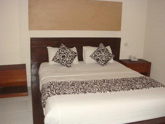 Bakung Sari Resort and Spa: double bedroom