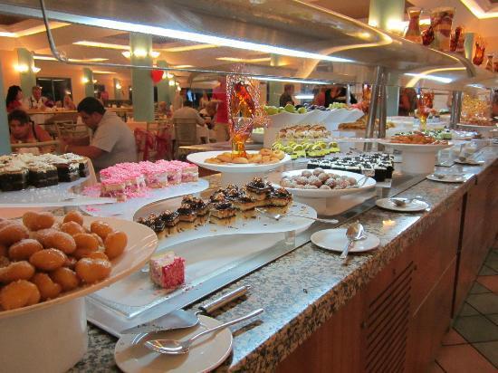 Grand Blue Sky International : buffet déssert