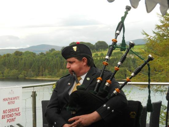 Avon Ri: bag piper