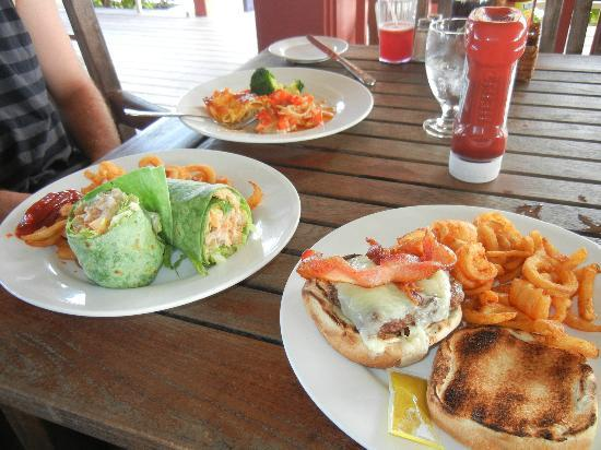 Sandals Royal Bahamian Spa Resort & Offshore Island: Lunch on the island
