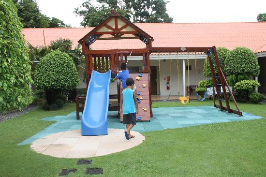 Court Meridian Hotel : play area