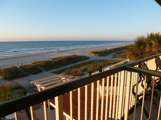 Westgate Myrtle Beach Oceanfront Resort: Early morning from my beach front room