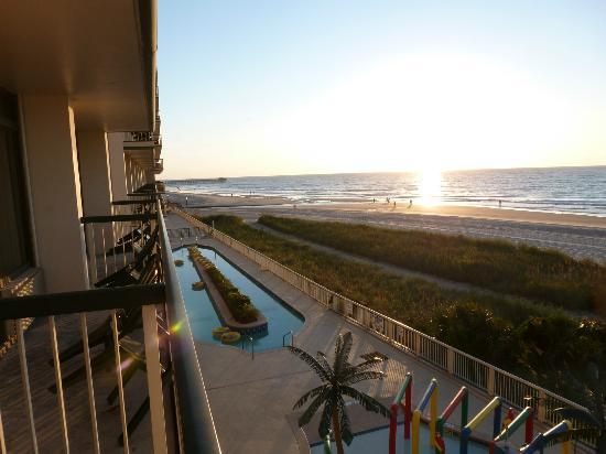Westgate Myrtle Beach Oceanfront Resort: Sunrise from my beach front room