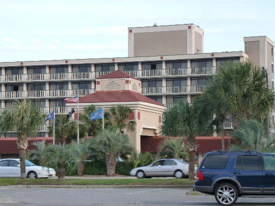 Westgate Myrtle Beach Oceanfront Resort: Front of the hotel