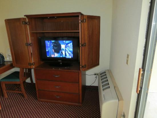 Quality Inn & Suites River Suites: Flat screen Samsung tvs w